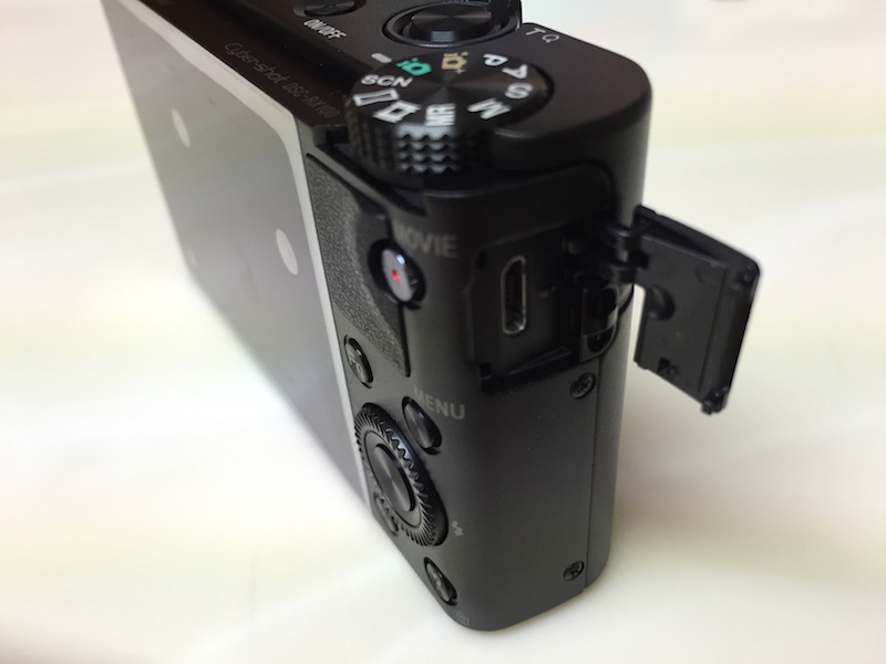 RX100の充電ポート