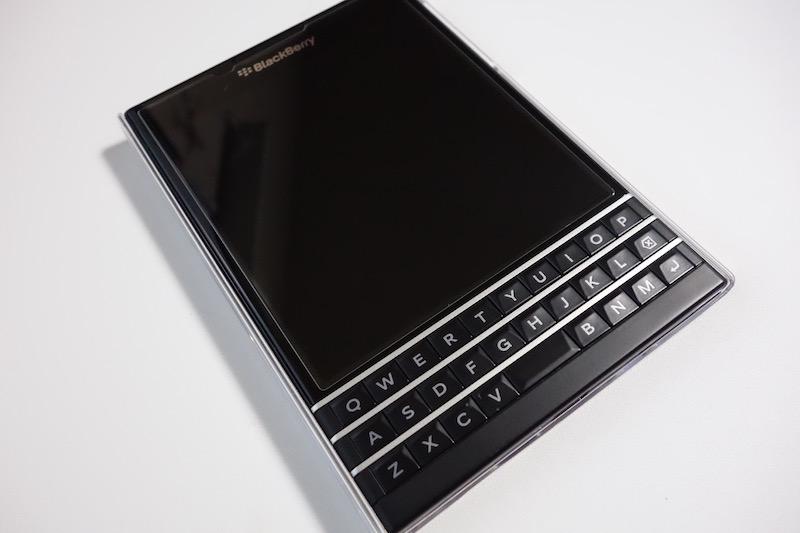 正方形ディスプレイが美しい!「BlackBerry Passport」を購入しました!