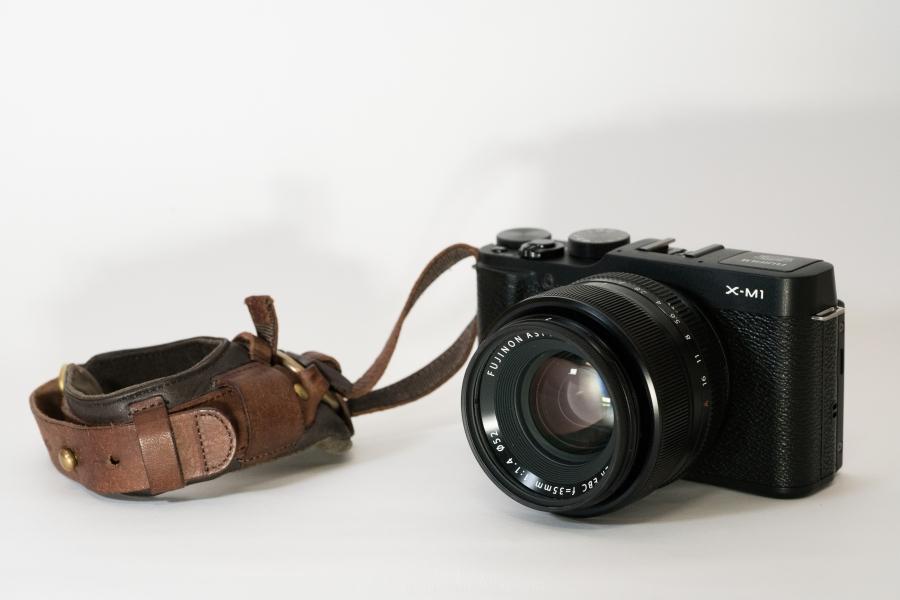 【レビュー】オシャンティなカメラ用リストストラップ!ユリシーズのアルチェーレがめっちゃ上質なのでオススメしたい