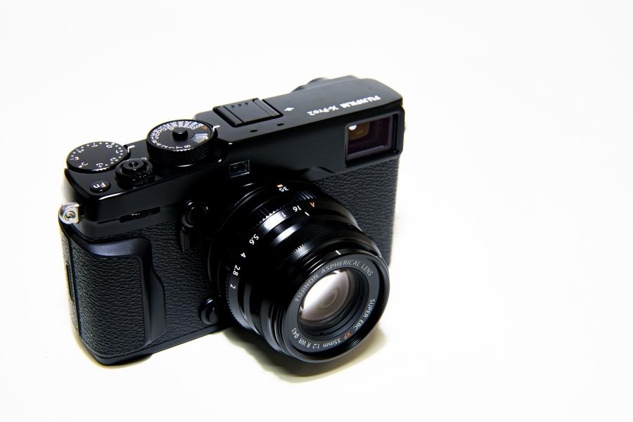 デジタルカメラの種類とそれぞれのメリット・デメリット