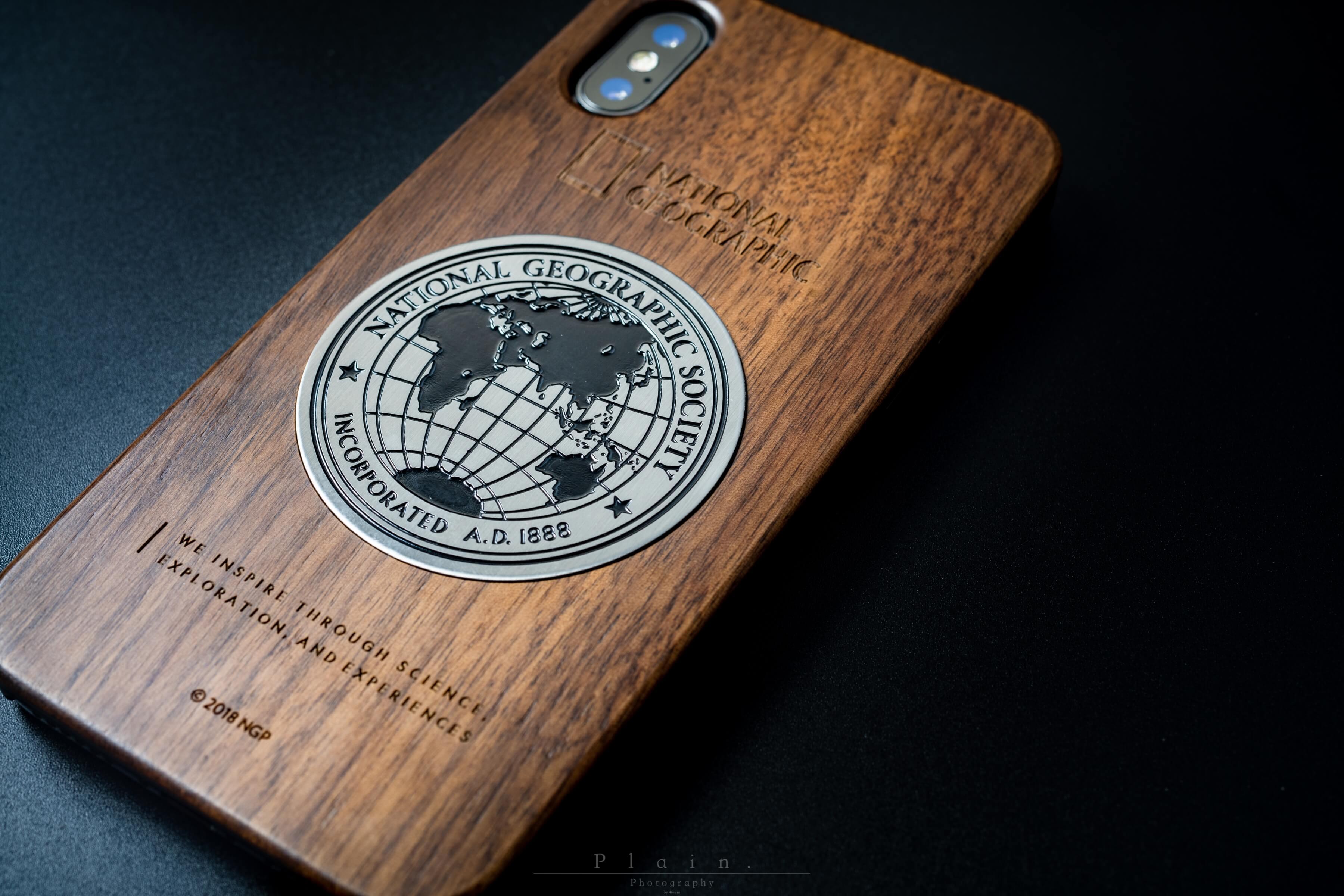 ナショジオのiPhone X/XS用の木製ケースがすごくおしゃれでかっこいい