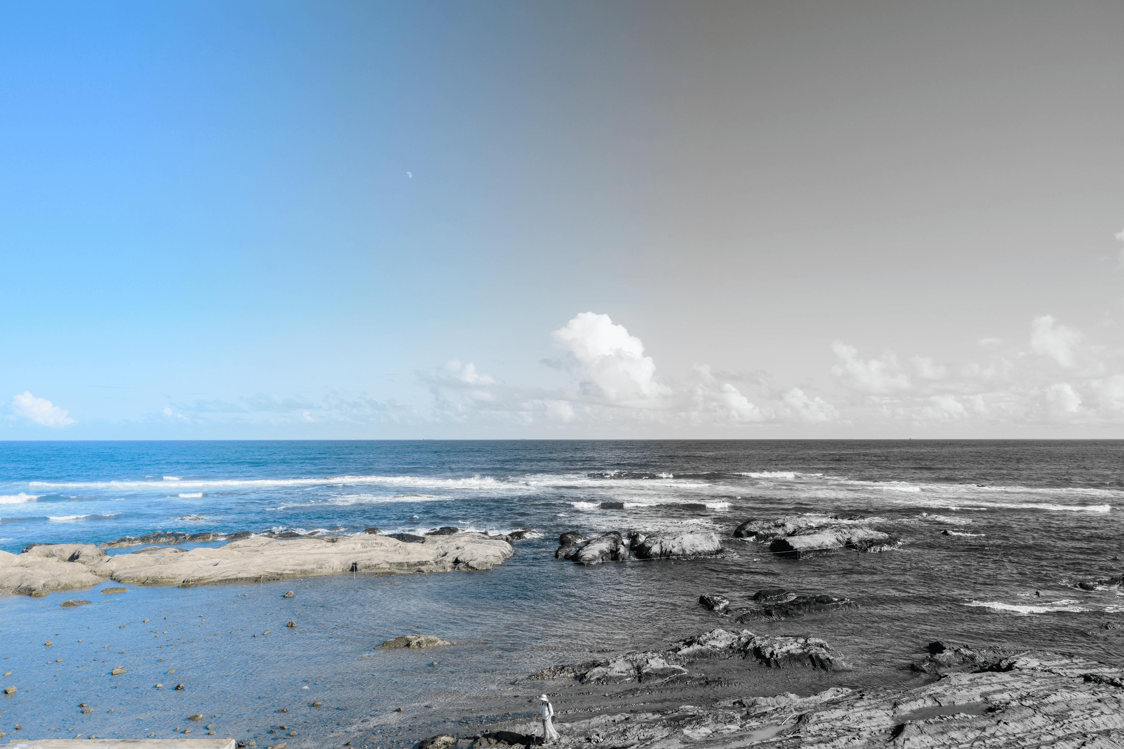 カラー現像した写真をモノクロ現像してカラーに戻して遊んでる